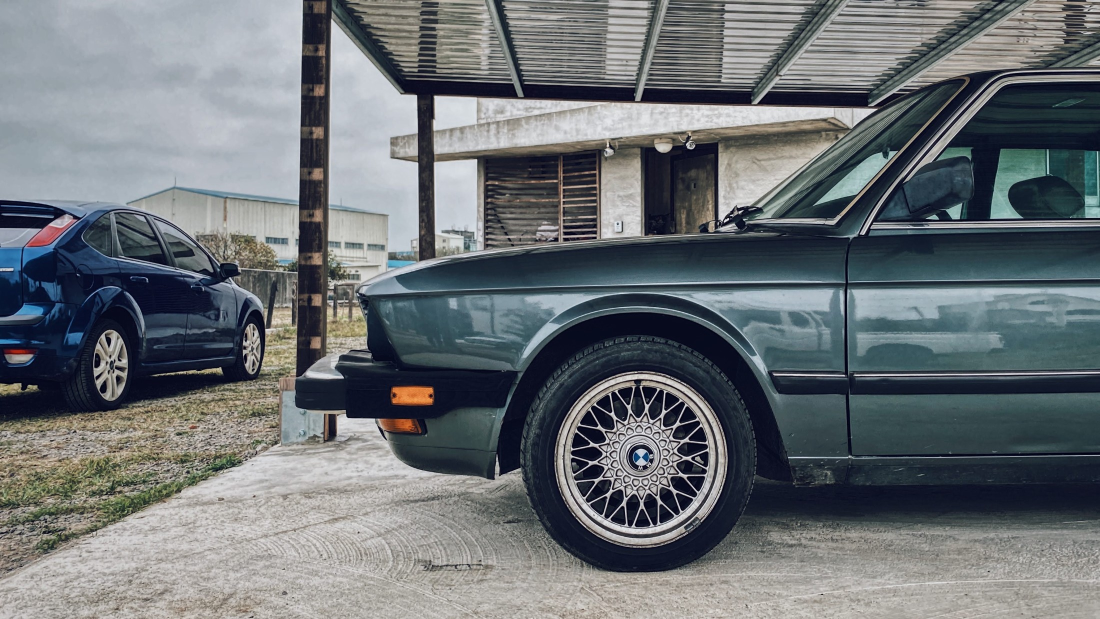 BMW E28 520i US-Spec at Natural n Vintage